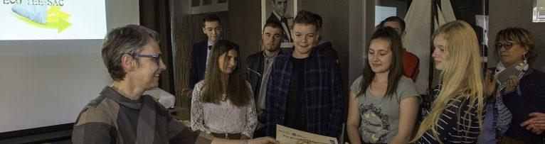 Remise de diplômes pour le concours de l'action professionnelle aux élèves des lycées de la région